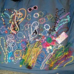 Huge 200pc bundle little girls jewelry, hair stuff